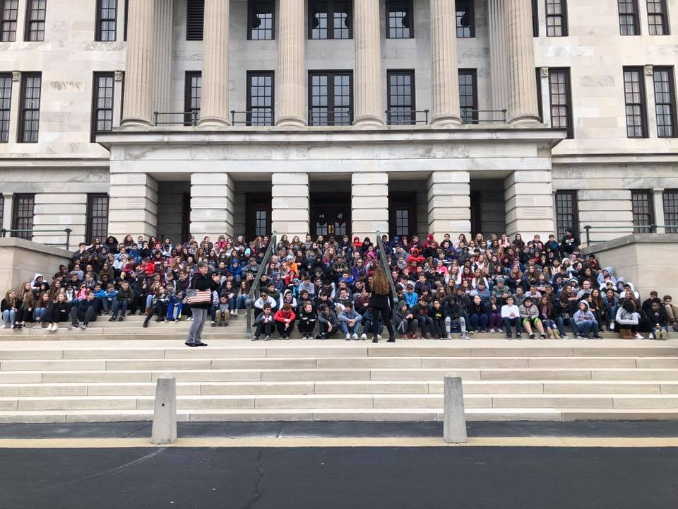 8th Graders visit Tennessee State Capitol Building